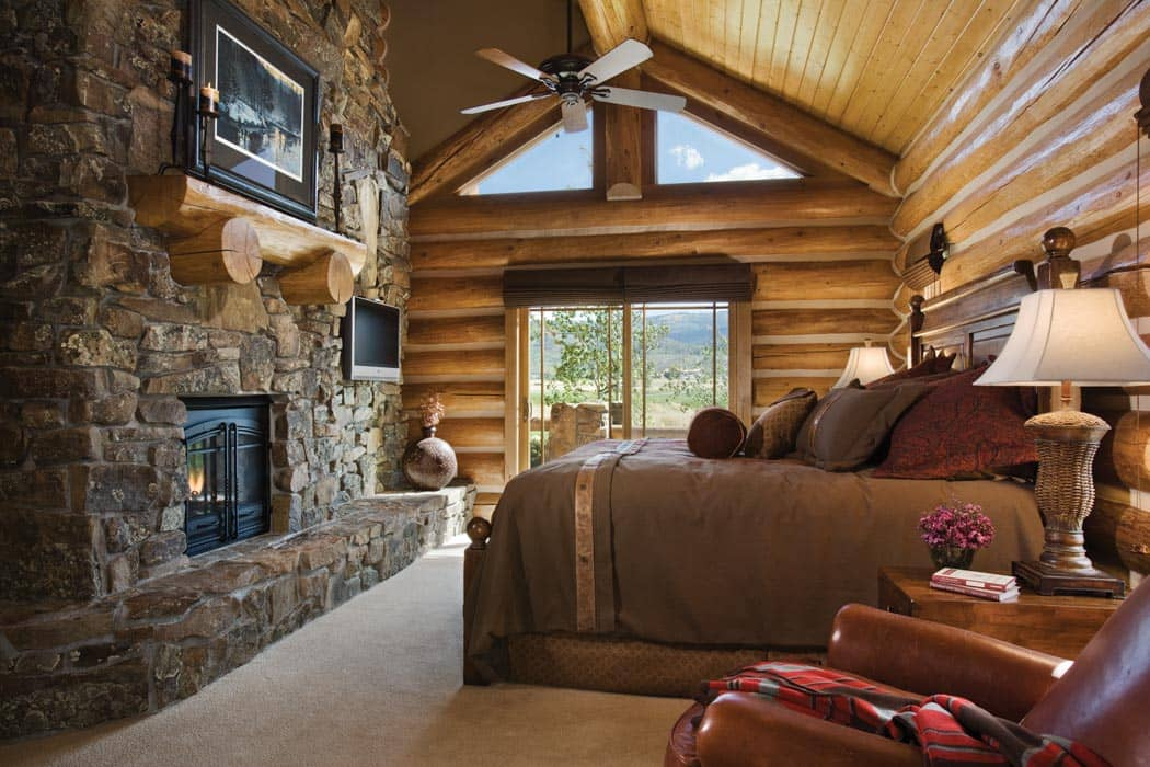 Bedroom and bathroom timber log home photo gallery for Log home master bedrooms