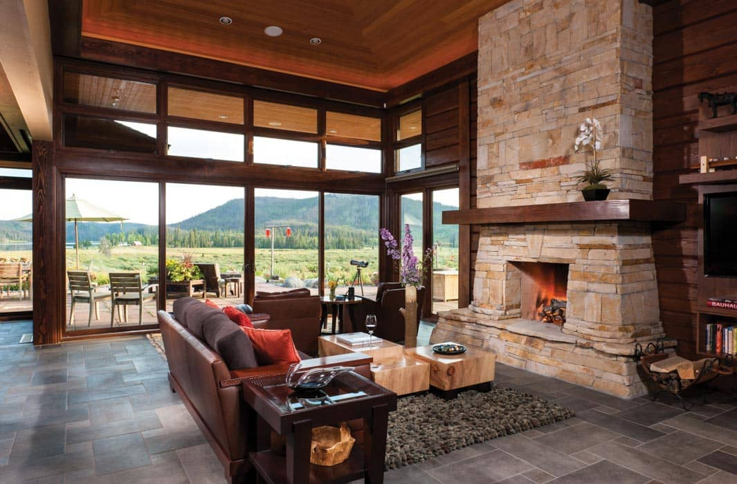 Hahn 39 s peak colorado log home by precisioncraft for Modern mountain home interior design