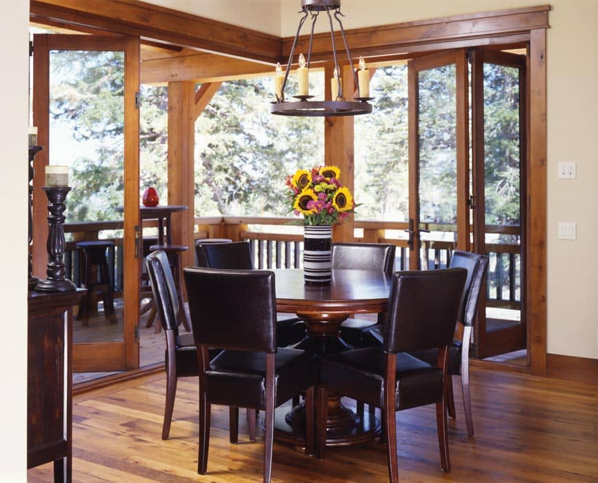 Mammoth Breakfast Nook