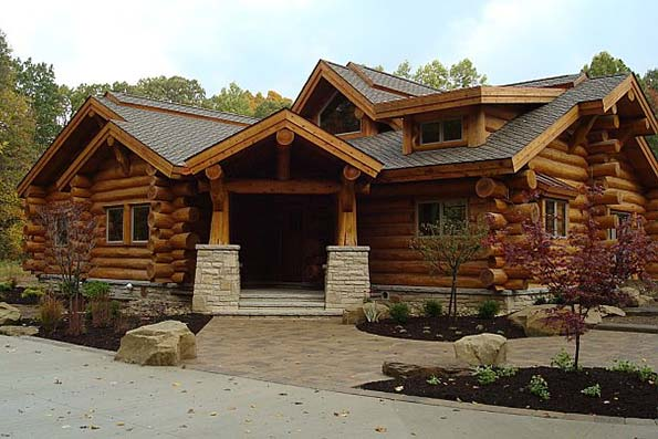 Ohio Handcrafted Log Home 06-095
